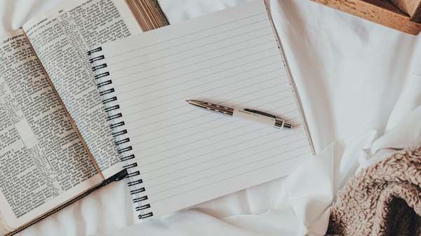 Journaling the Bible Connect Group with Salma Moretta